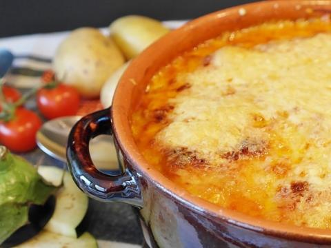 Kaserola od krompira i crvenog sočiva