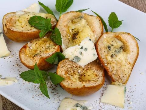 Pečene kruške sa plavim sirom