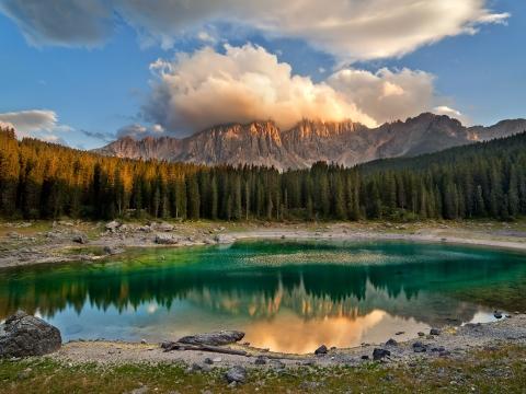 Lago di Carezza – legenda o jezeru duginih boja