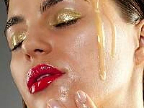 Maska sa maslinovim uljem za masnu kožu