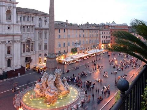 Dan žena u Rimu – romantika, ne kliše