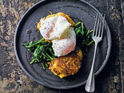 Rosti od krompira i luka sa poširanim jajetom