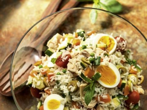 Hladna salata od pirinča s povrćem
