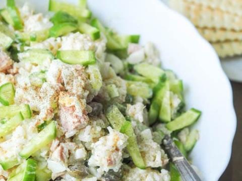 Ljuta salata sa tunjevinom i pirinčem