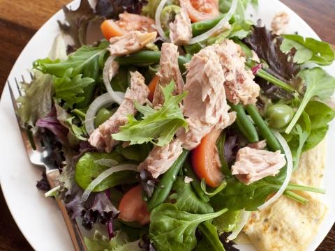 Posna salata Nicoise
