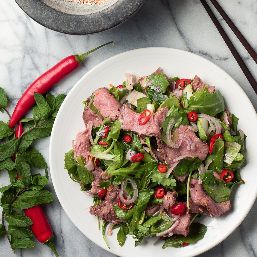 Pikantna goveđa obrok salata