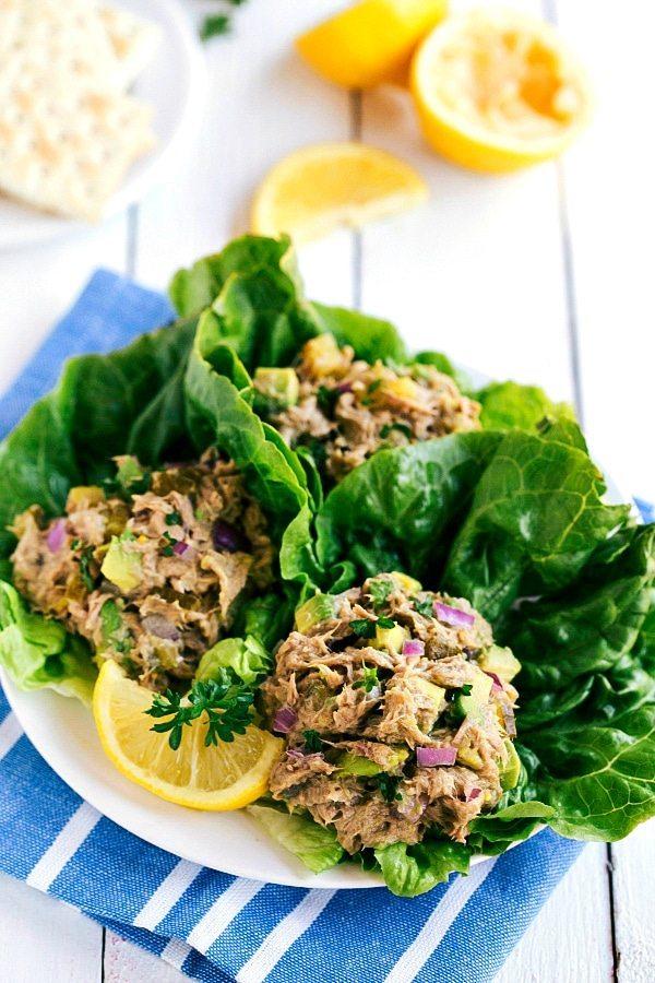 Salata sa avokadom i tunom
